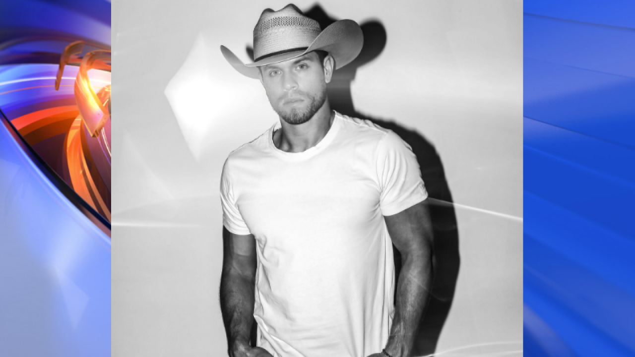 Dustin Lynch comes to Virginia Beach in June