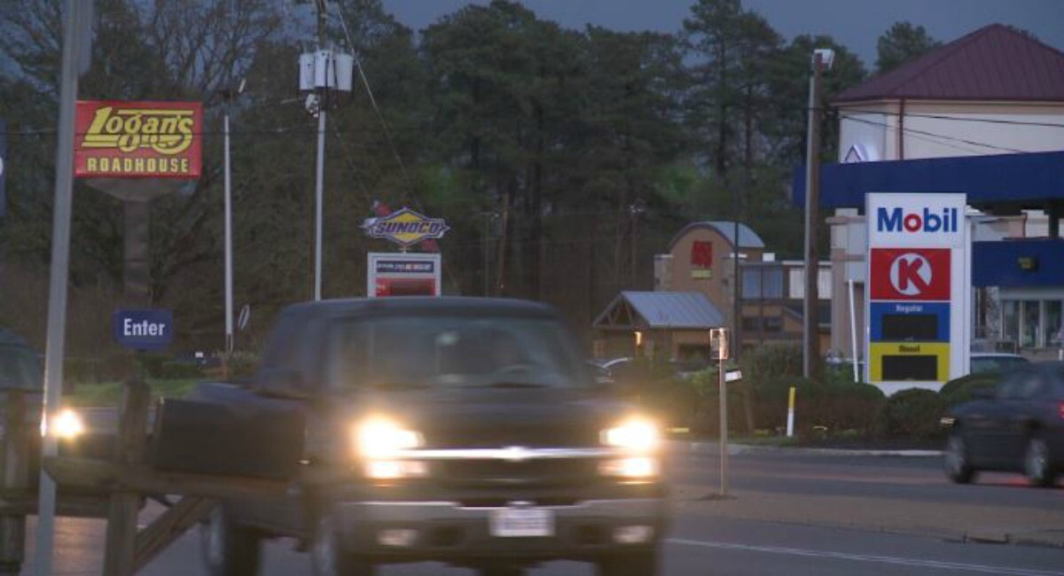 Photos: Parts of Chesterfield resemble a 'ghost town' during poweroutage