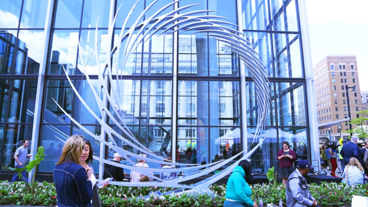GALLERY: Sculpture Milwaukee introduces 22 unique sculptures on Wisconsin Avenue