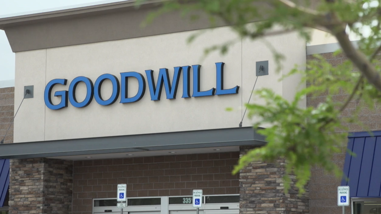Families trying to make ends meet benefiting from surge in Goodwill donations amid pandemic