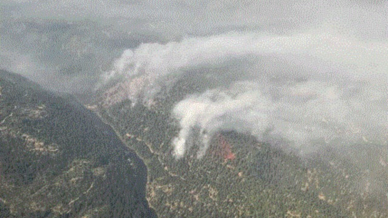 Crews battling wildfire along Payette River