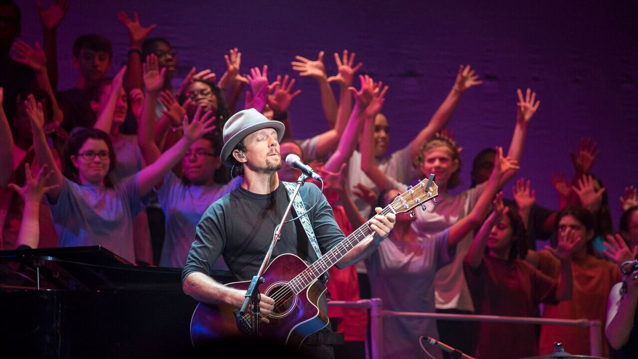 19 inspiring images of Jason Mraz and SPARC bringing art to life at the Altria Theater