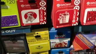 Watch for holiday gift card scammers