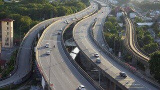 graphicstock-aerial-view-of-multiple-lane-highway-and-traffic_HueEB2wgsl-SBI-301985960.jpg