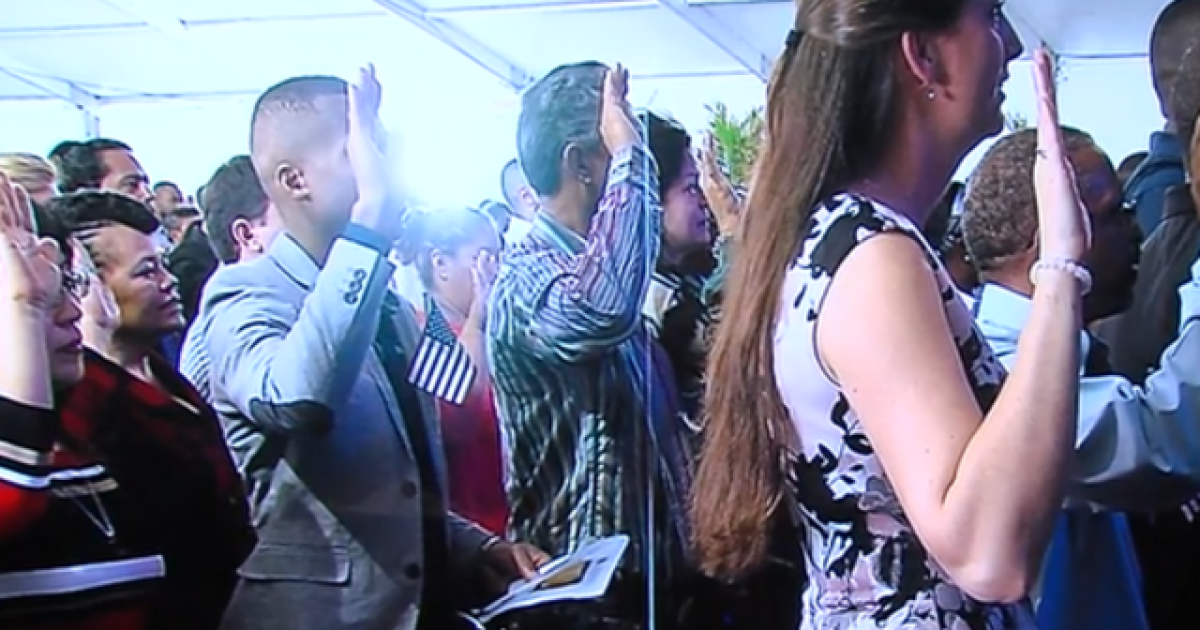 More than 500 people sworn in as U S  citizens at South