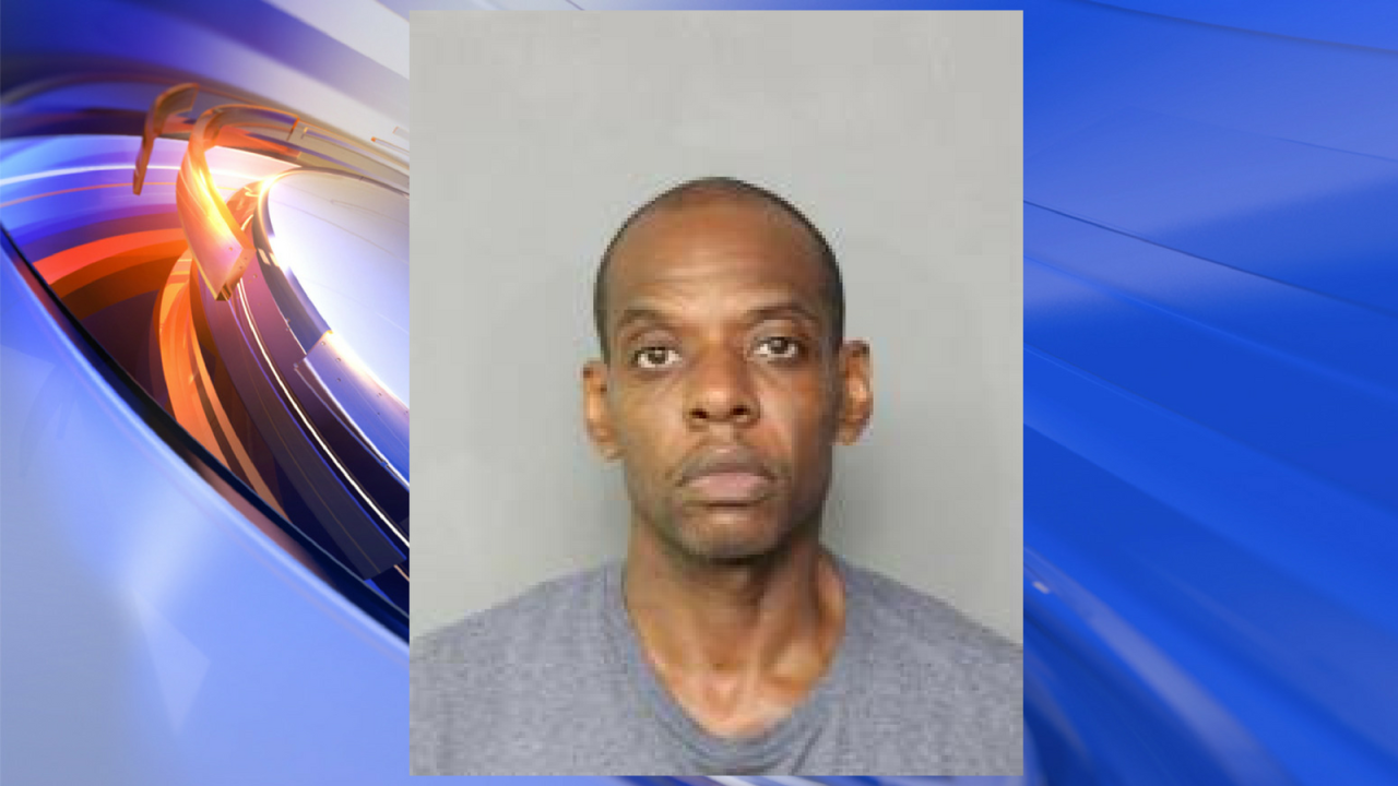 Man pleads guilty to impersonating police officer, trespassing at two Norfolkschools
