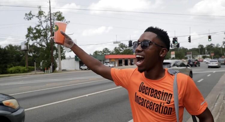 Demetrius Murray selling Gurlies Lemonade on Tharpe St. in 2019