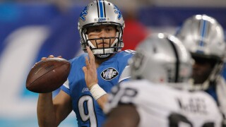 Stafford cleared to play, can't finish Lions' 34-20 loss