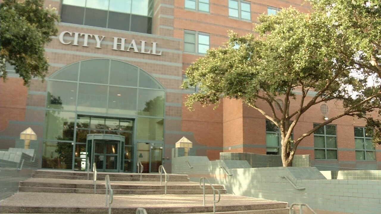 City Hall remains closed due to cold weather