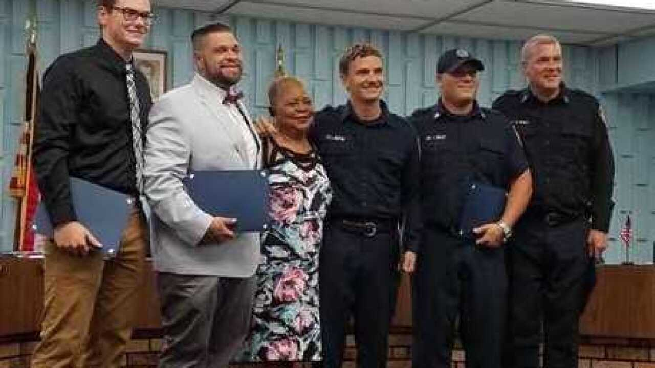 Lincoln Park thanks civilians, officers and firefighter for saving woman's life