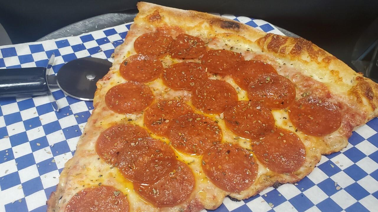 Dominicks Pizza