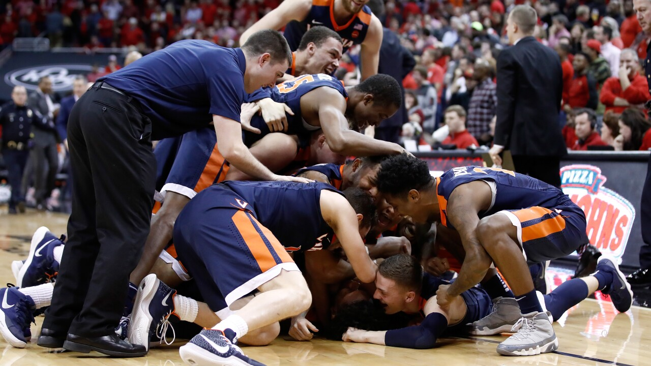 Watch: Banked-in buzzer-beater completes perfect ACC road season for UVA men's basketball
