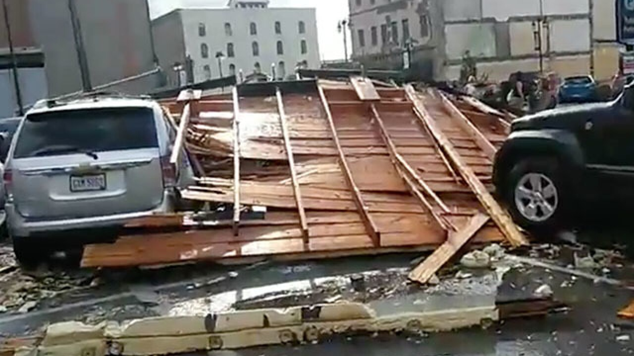 Severe storm collapses roof in Sandusky