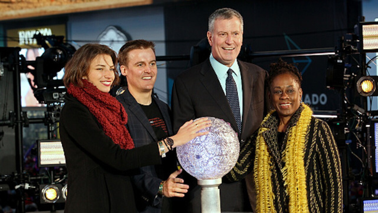 NYC mayor bashes Times Square Ball drop attendees