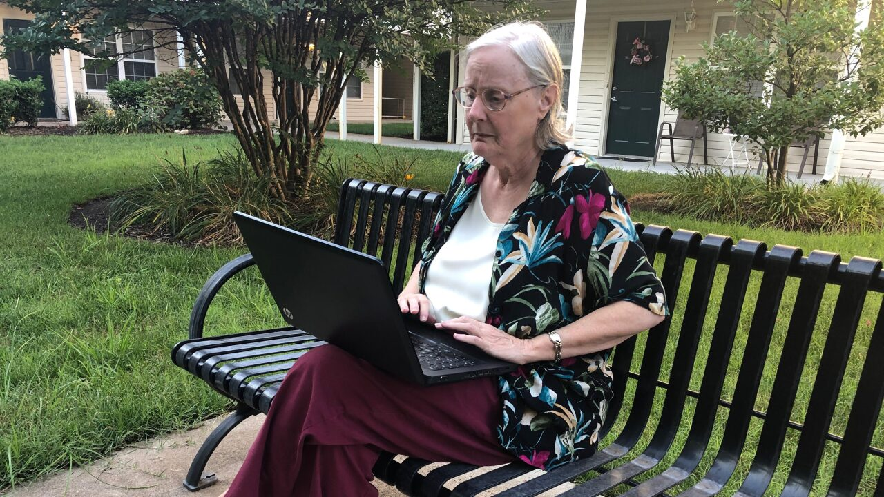 Virginia Beach senior scammed out of $3,000 now warning others