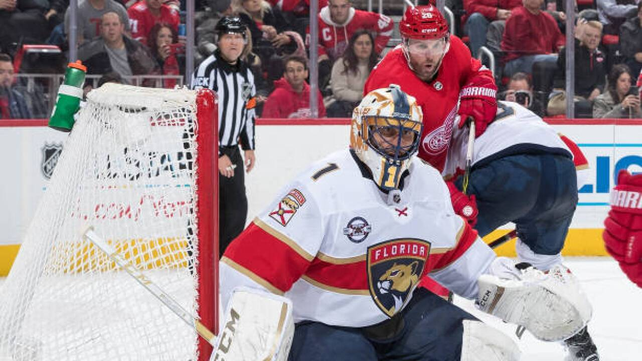 Panthers Behind Roberto Luongo S 33 Saves Beat Red Wings