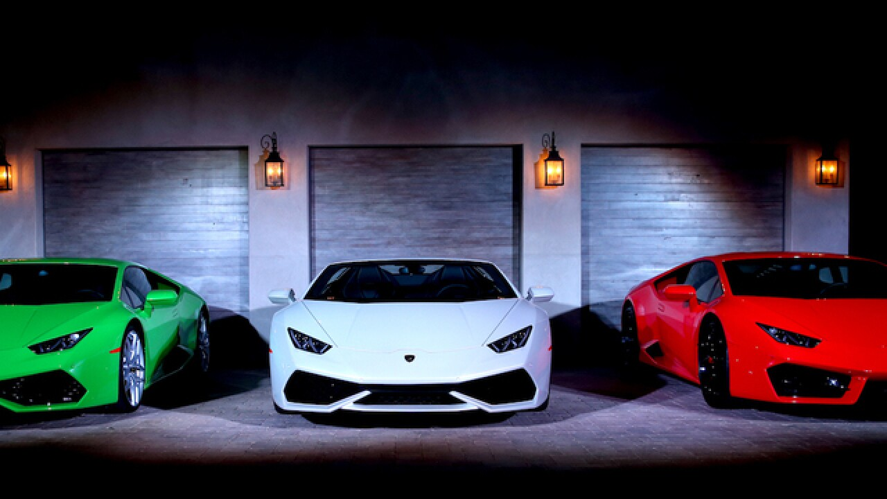 Italian Police Get 200 Mph Lamborghini Huracan