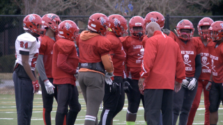 Lake Taylor H.S. football team takes another swing at aring