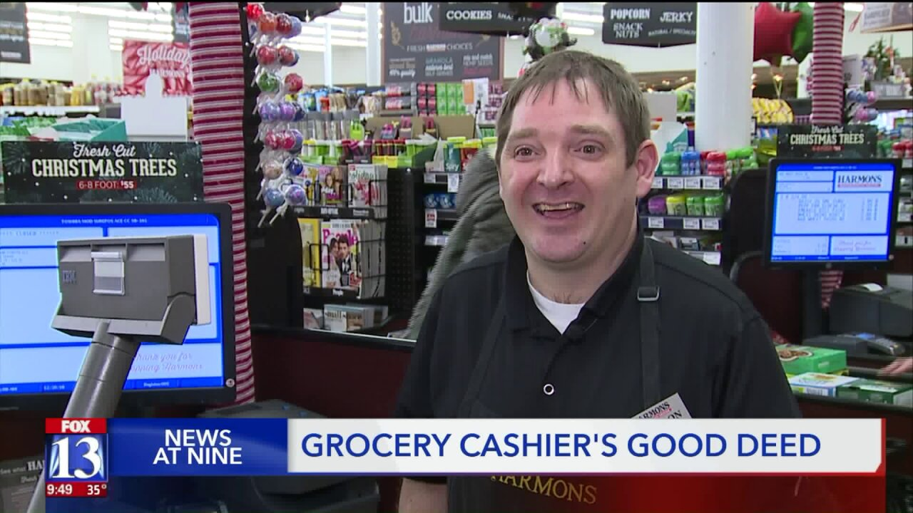 Shopper catches cashier doing a good deed when he thought no one waswatching