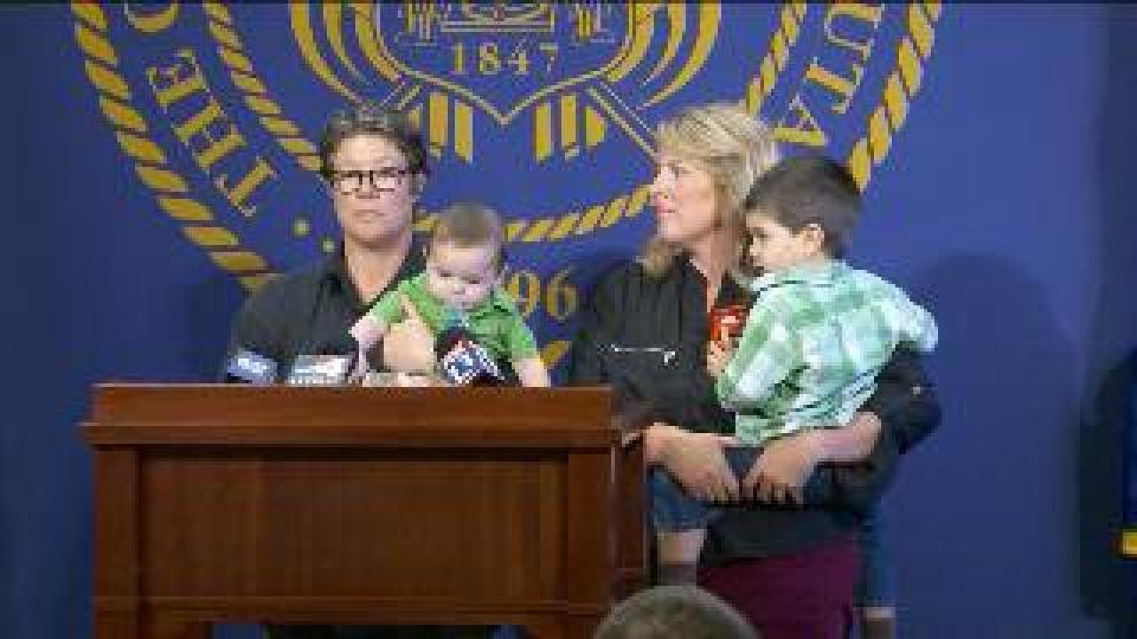 Utah tells judges to halt adoption petitions filed by same-sex couples