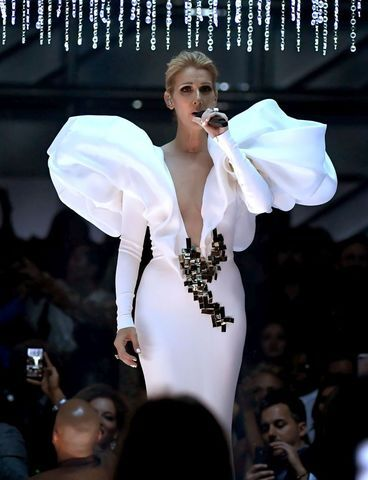 Celine Dion performs 'My Heart Will Go On' at 2017 Billboard Music Awards | PHOTOS