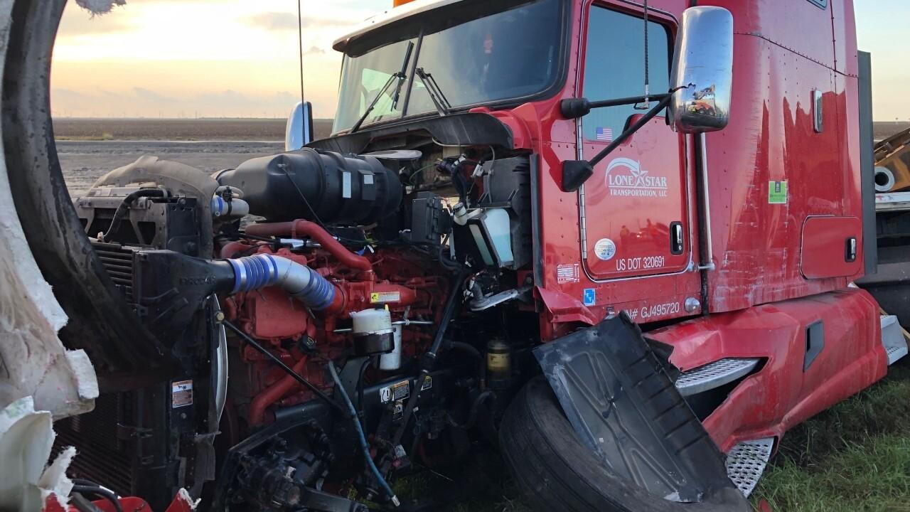Bishop 18 wheeler accident 2 0910.jpg