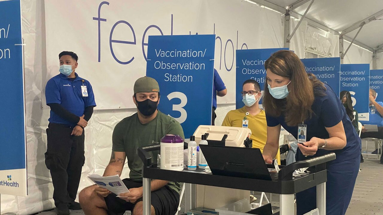 Frontline-workers-get-COVID-19-vaccine-at-AdventHealth-Tampa-3.jpg