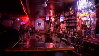 Last call for alcohol: Colo. governor bans restaurants, bars from serving alcohol past 10 p.m.