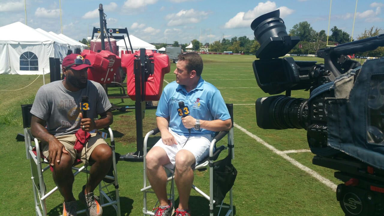 Wink goes 1-on-1 with Chesapeake native DeAngeloHall