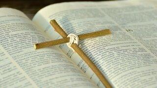 bible-2167778_1920.jpg