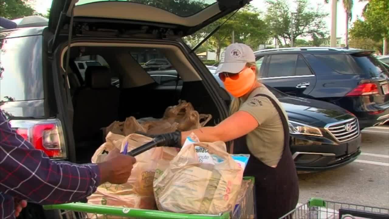 Delray Beach shopper Nadia Nicotra wearing face mask