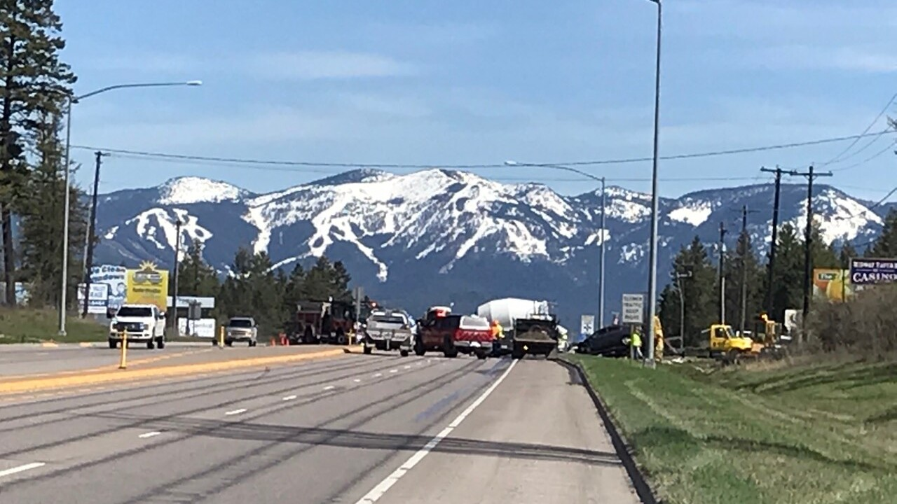 Crash snarling traffic between Kalispell and Whitefish
