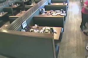 VIDEO: IHOP customers in Phoenix attacked by man with coffee pot