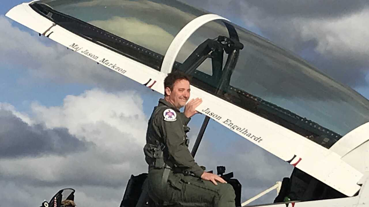 Norfolk man wins 'Hometown Hero' competition, takes flight withThunderbirds