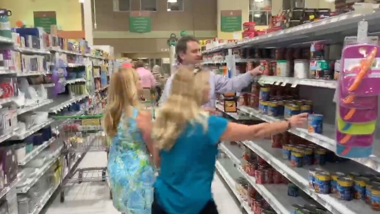 wptv-Jeff-Lichtenstein-buying-food-elderly1.jpg