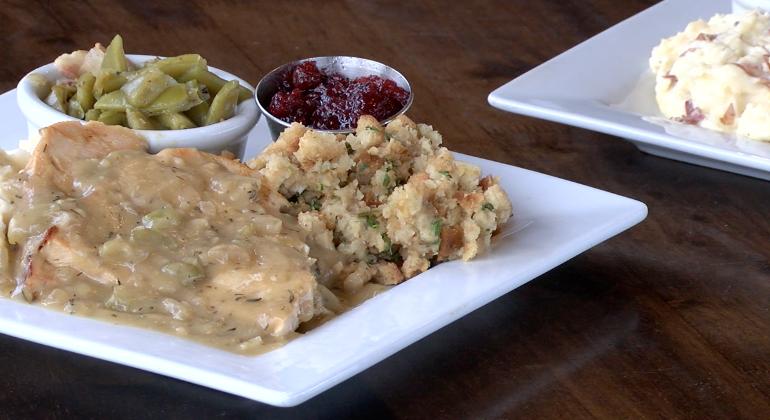 deSha's Thanksgiving plate.png