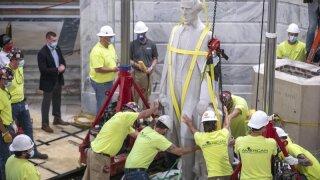 APTOPIX Jefferson Davis Statue Kentucky.jpeg