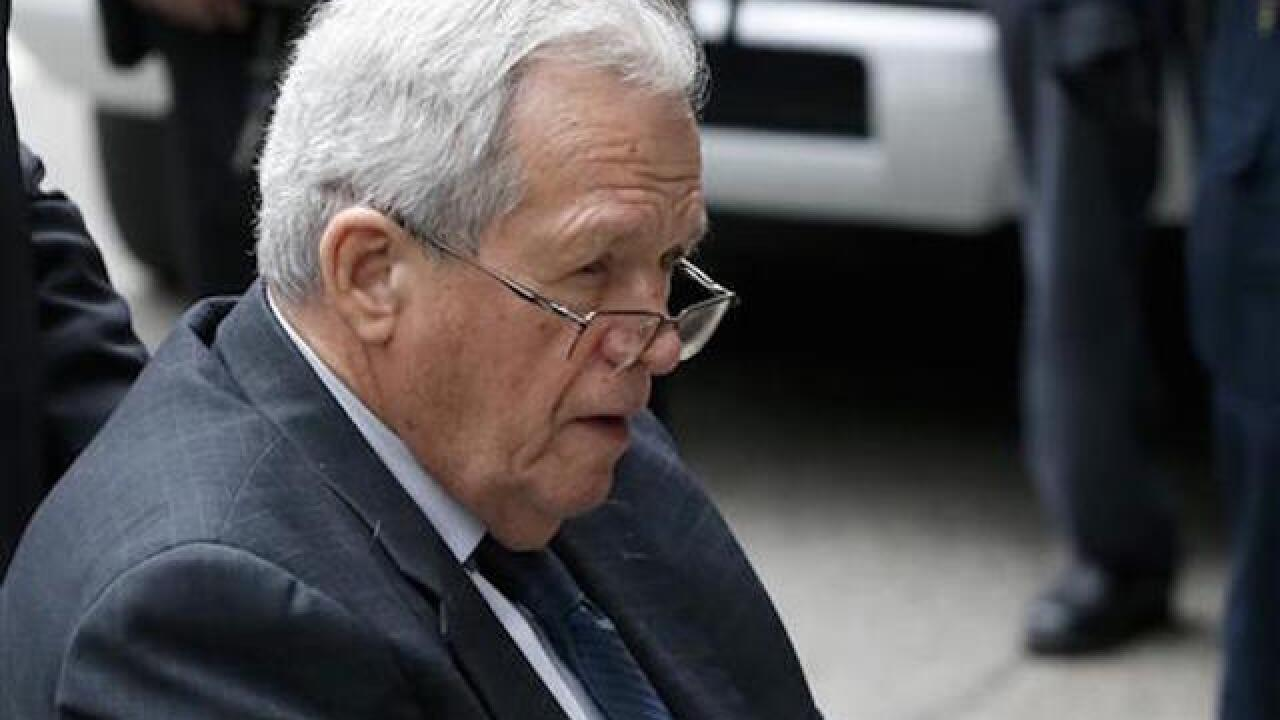 Ex-US House Speaker Dennis Hastert starts prison term