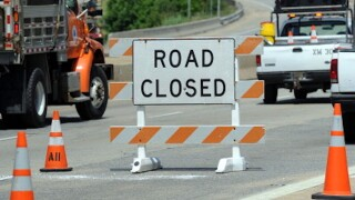 14 Mile Road in Bloomfield Township closed due to emergency gas line repair