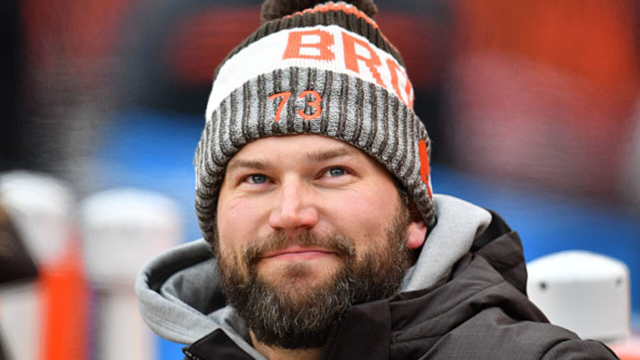 Browns Joe Thomas says decision 'right around the corner'