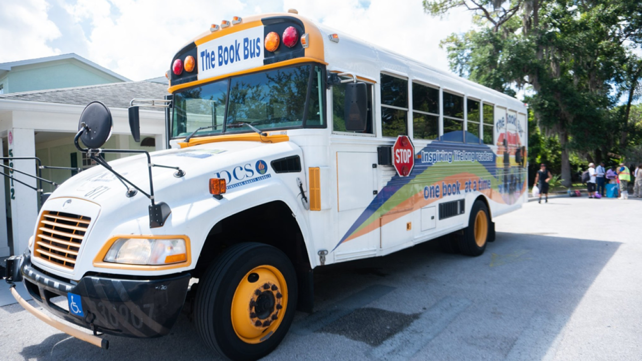 Pinellas-Book-Bus-1.png