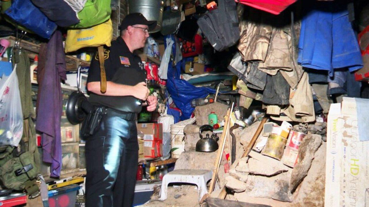 Hunter finds Wisconsin fugitive hiding in makeshift bunker