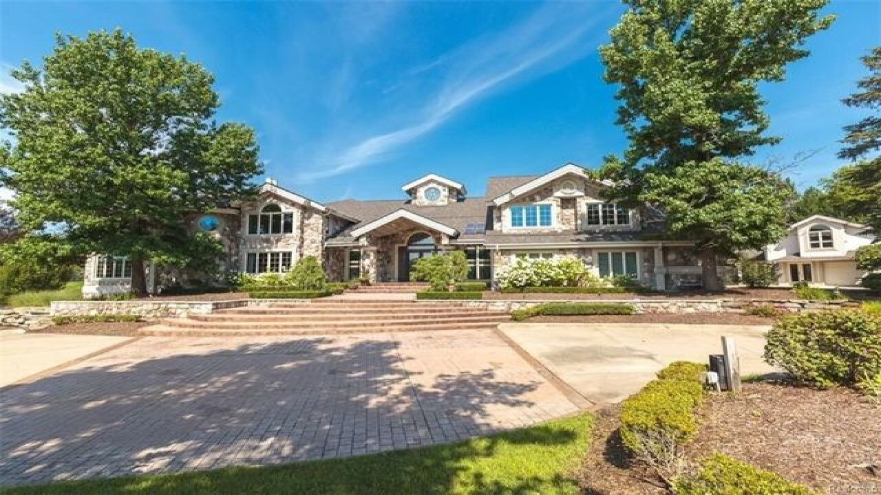Eminem S Rochester Hills Mansion On Sale For Nearly 2 Million