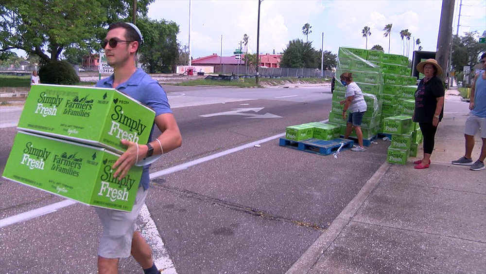 Jewish-congregation-takes-food-distribution-to-the-streets-of-Tampa.png