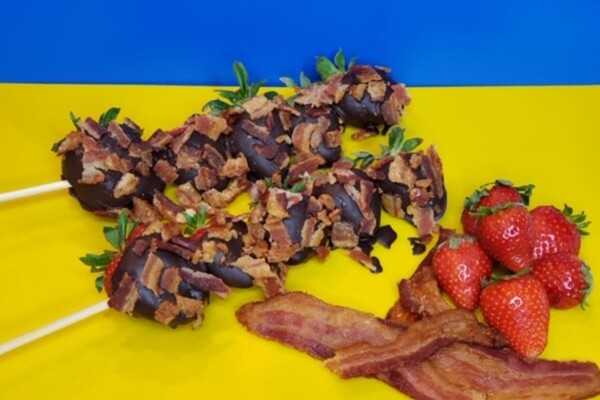Chocolate-covered strawberries topped with bacon at Caribbean Smoothees