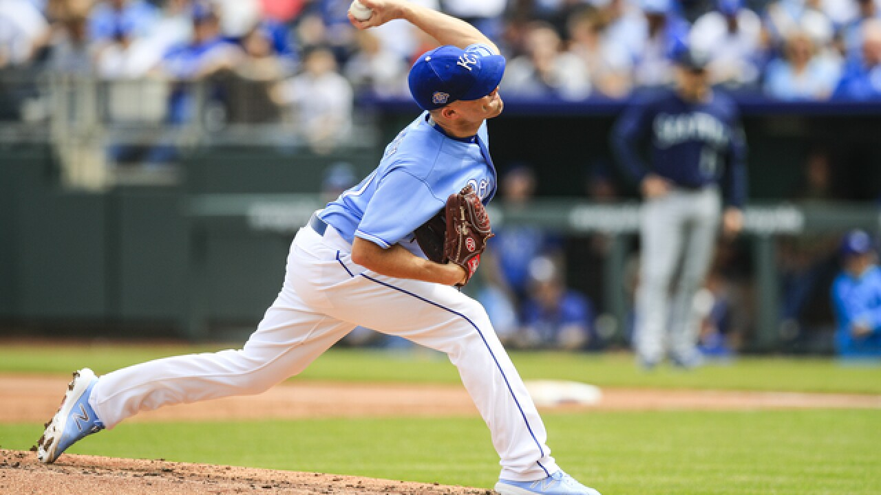 Royals fall to 3-7 after another loss to Seattle; late long-ball seals it