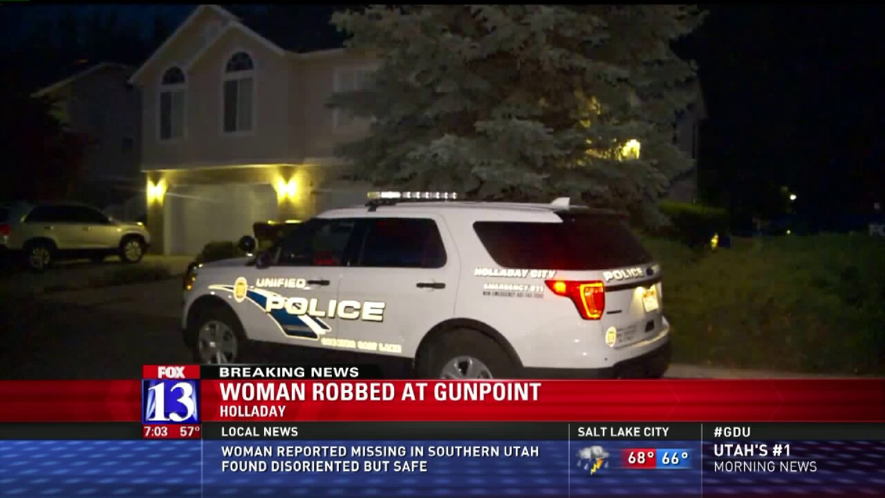 Police looking for suspects in home invasion robbery inHolladay