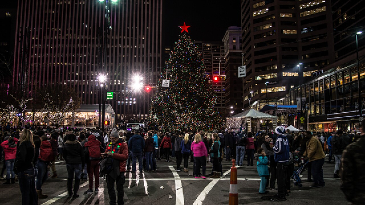 Cincygram: Christmastime in the city