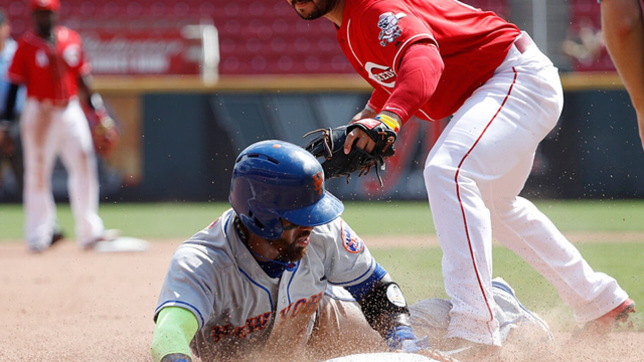 Mets sweep, beat Reds for 14th straight time