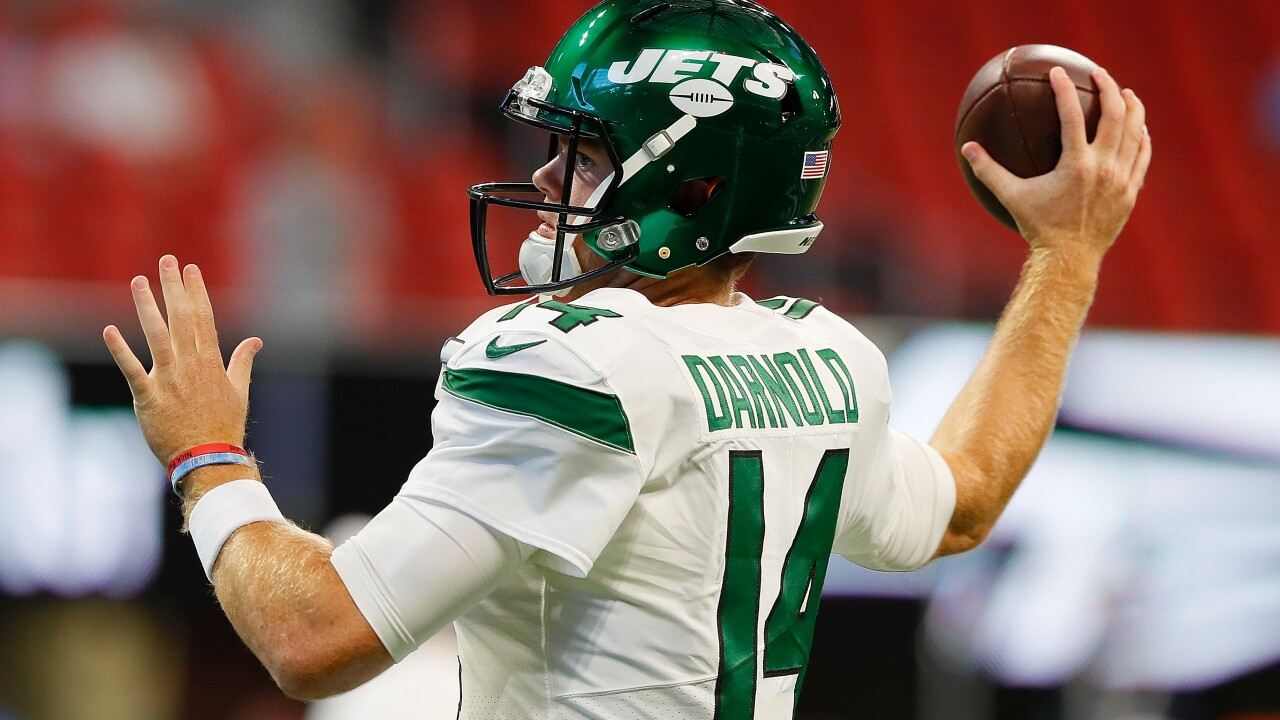 Kiss him goodbye: Jets QB Sam Darnold to miss multiple games due to mononucleosis